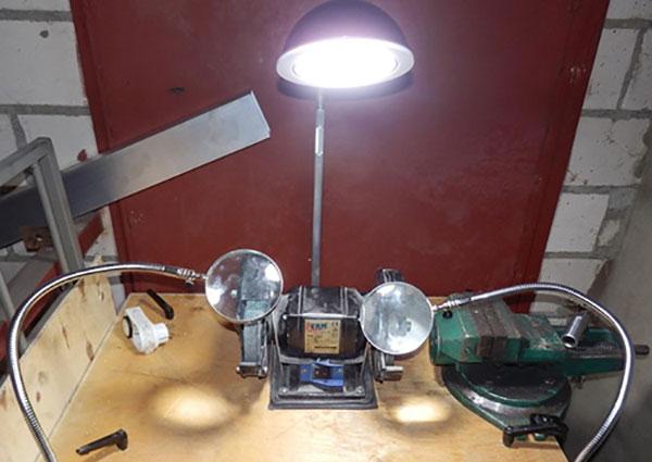 Фото № 2 122 - Светодиодный светильник «DELTA 12» - для системы подачи СОЖ с доставкой по России от LocLine.spb.ru